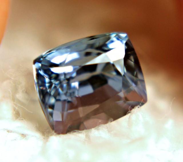 1.52 Carat African VVS1 Tanzanite - Beautiful
