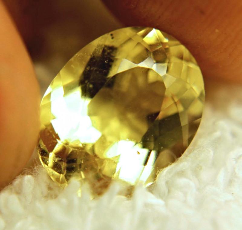 4.78 Carat VS Vibrant Yellow Beryl - Lovely Stone