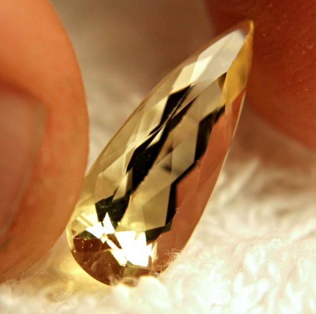 3.16 Carat VS Golden Yellow Beryl - Beautiful