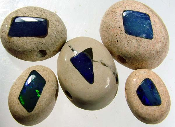 DRILLED PARCEL OPAL INLAY IN SANDSTONE 42CTS [MX152 ]