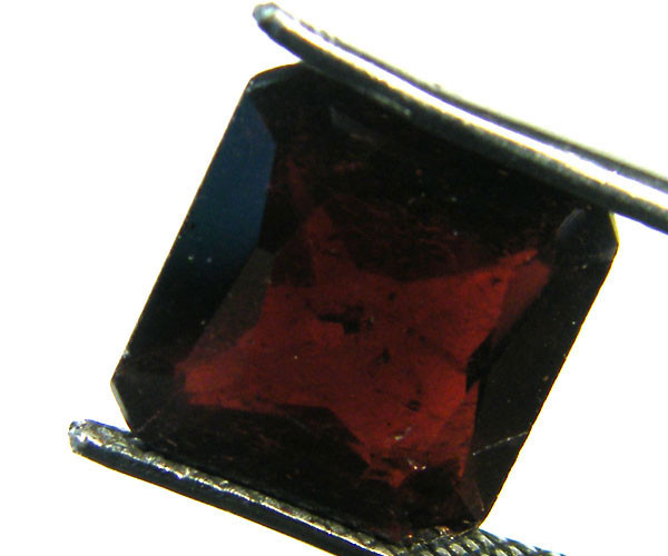 OLD TRIBAL GARNET GEMSTONE 5.50 CTS GW 1005-3