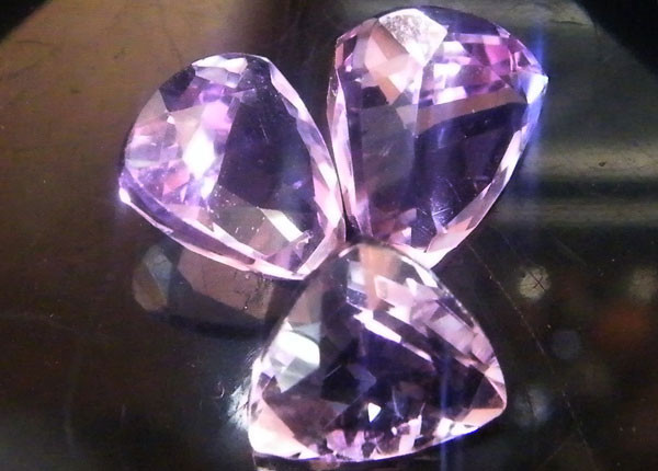 3 PCS  AMETHYST QUARTZ(9X9X5MM)  6.45 CARATS SG44ML