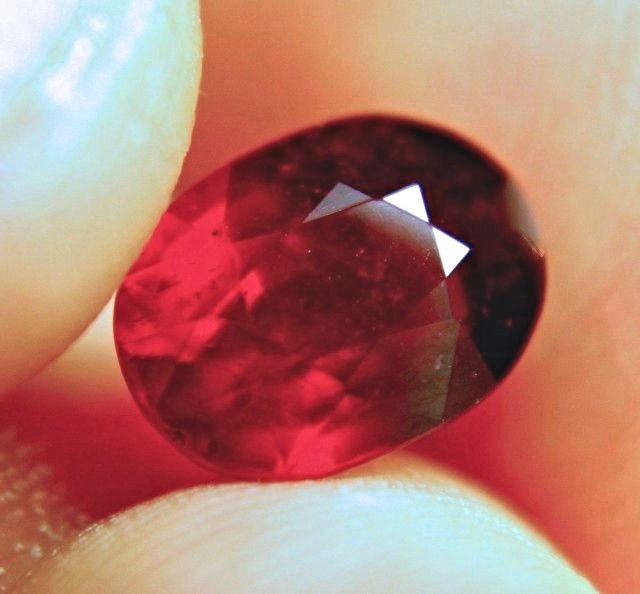 2.69 Carat Pigeon Blood VS Ruby - Gorgeous