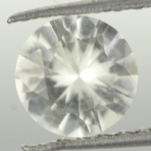 0.93CTS DIAMOND CUT SILVERY WHITE SAPPHIRE (ST9211)