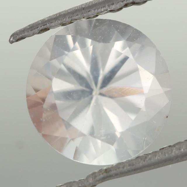 1.10CTS DIAMOND CUT SILVERY WHITE SAPPHIRE (ST9214)