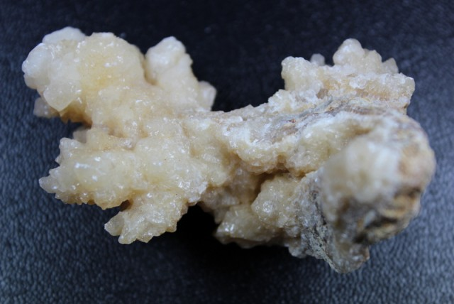575.0 CTS  CORAL GREAT SPECIMEN