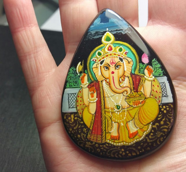 66mm GANESHA pear drop heart shape hand painted 172ct