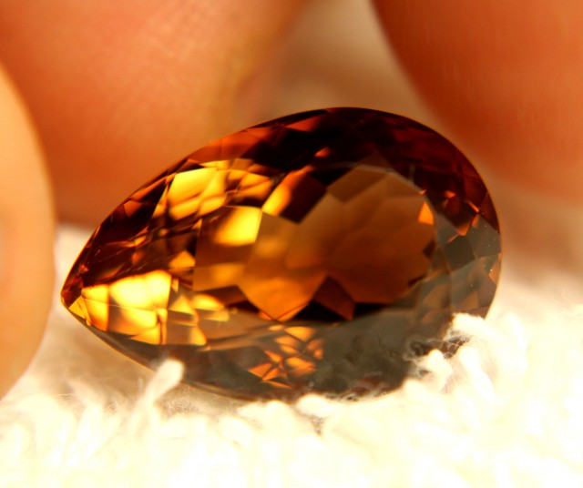 15.85 Carat VVS Brazilian Golden Topaz - Superb