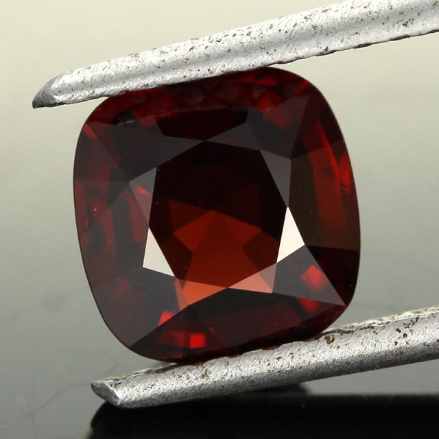 2.32CTS CERTIFIED RED BURMESE SPINEL [SNP101]