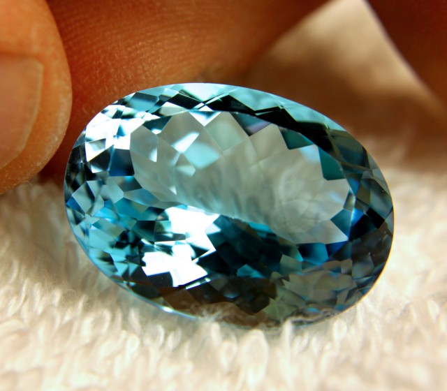 29.57 Carat Vibrant Blue Earth Mined IF/VVS1 Topaz - Lovely