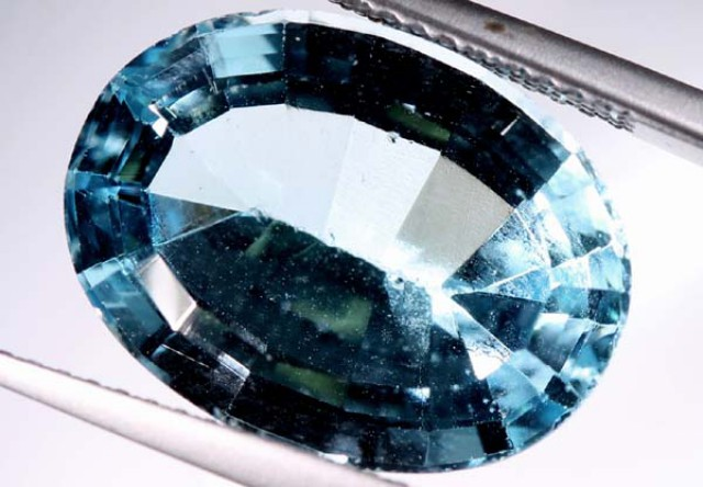 BLUE TOPAZ   12  CTS  PG-1647