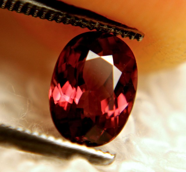 1.32 Carat IF/VVS1 Rhodolite Garnet - Gorgeous