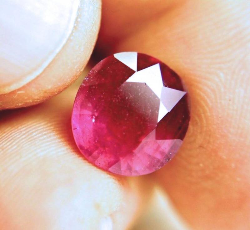 8.28 Carat Fiery Cherry Ruby - Superb