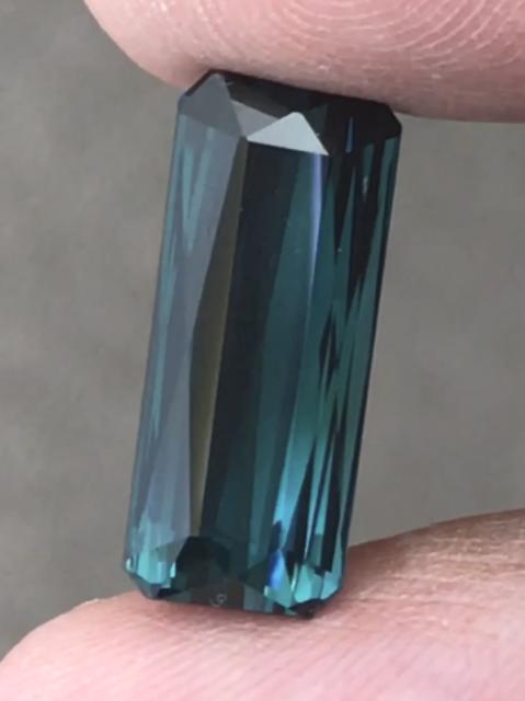 9.85ct Dark Blue with Green Streaks, Indicolite Tourmaline - Nigeria H659