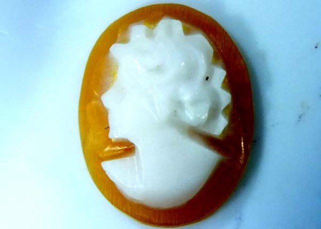 CONCH SHELL CAMEO  1.65 CTS.  CG-1622