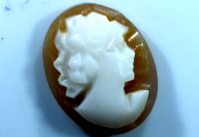 CONCH SHELL CAMEO 2.05  CTS.  CG-1625