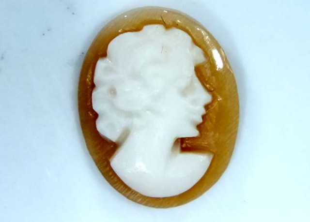 CONCH SHELL CAMEO  1.40 CTS.  CG-1645
