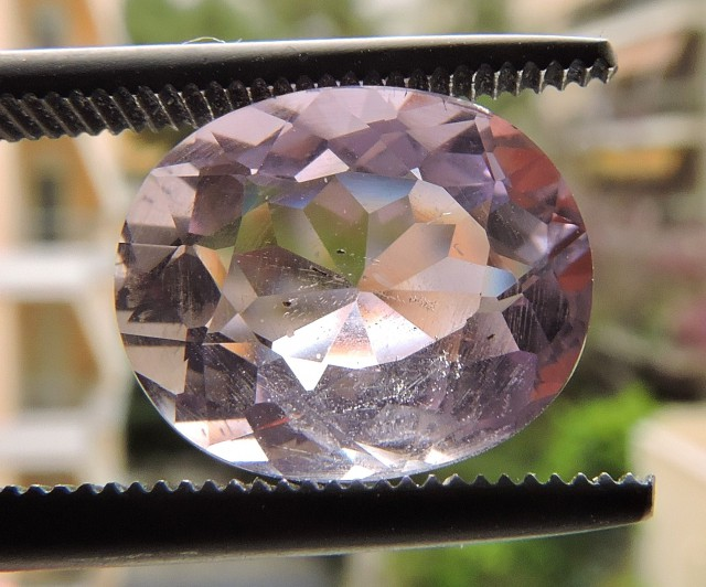 3.60ct OVAL FACETED AMETHYST GEMSTONE FROM ZAMBIA