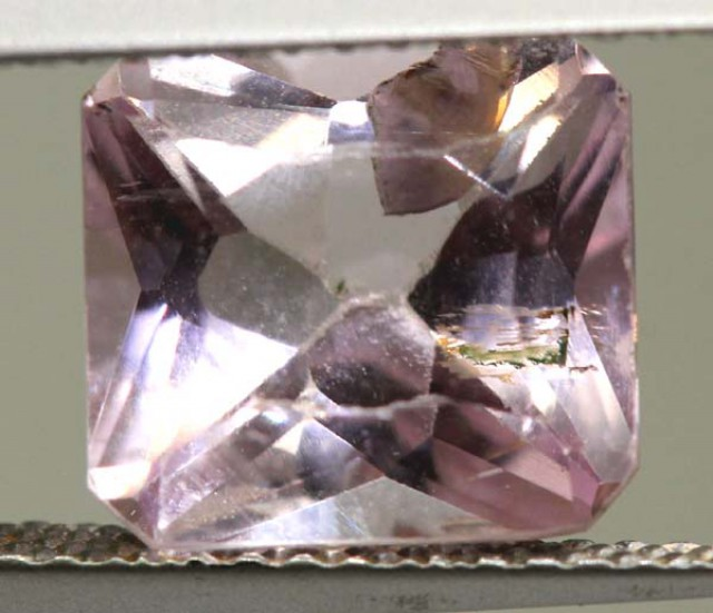 3.5  CTS  PINK KUNZITE FACETED STONE    CG-1711
