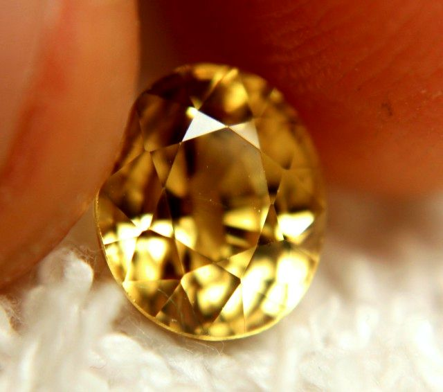 3.58 Carat Golden Yellow VVS1 Zircon