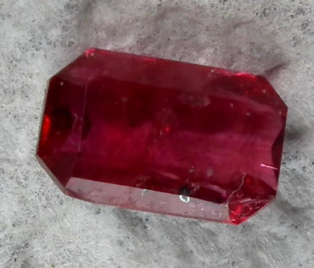 RED BERYL UTAH   1 CTS VIOLET CLAIM