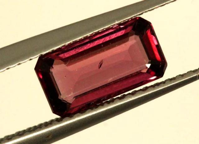 BRIGHT ORANGE RED RHODOLITE GARNET 1CTS  SP48