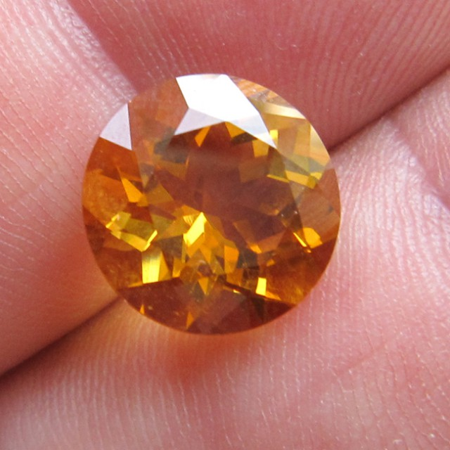 4.86cts Golden Yellow Citrine Round Shape