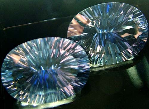 MYSTIC QUARTZ  '' BLUE LAGOON''  PAIR VS 22.7 CTS  [S2800]