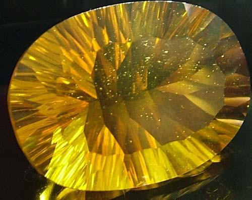 FLUORITE -BRILLIANT CLEAN  GOLDEN COLOURS 26.7 CTS [S2837]