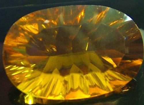 FLUORITE -BRILLIANT CLEAN  GOLDEN COLOURS 20.1 CTS [S2841]