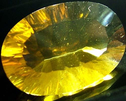 FLUORITE -BRILLIANT CLEAN  GOLDEN COLOURS 19.3 CTS [S2844]