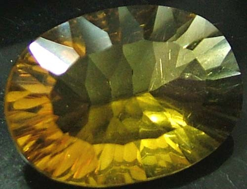 FLUORITE -BRILLIANT CLEAN  GOLDEN COLOURS 9.6 CTS [S2873]