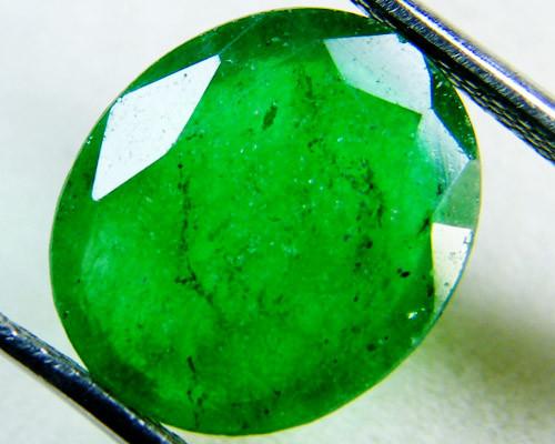 Quartz Emerald Green colour  4  carats   QU16