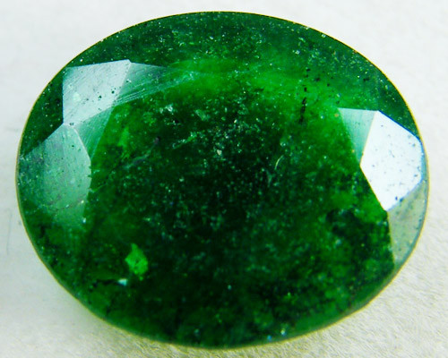 Quartz Emerald Green colour  4  carats   QU20