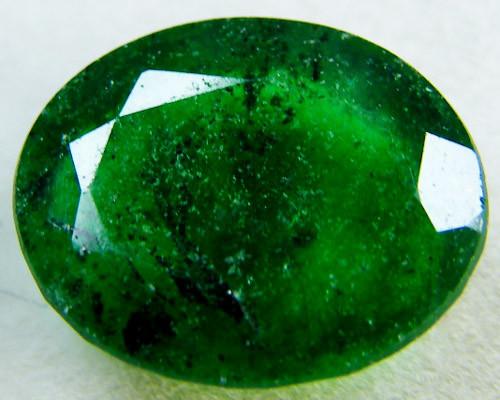 Quartz Emerald Green colour  4  carats   QU30