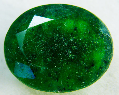 Quartz Emerald Green colour  4  carats   QU41