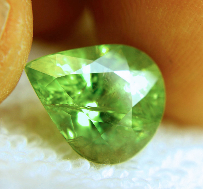 7.26 Carat SI Sphene - Lovely Green - Fun Stone