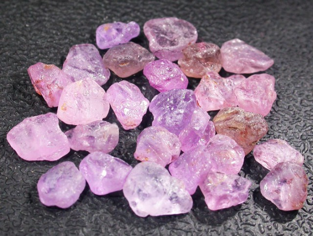 CTS PINK SAPPHIRE ROUGH -AFRICA [F5977]
