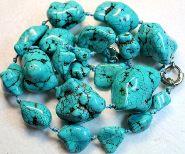 934.1 CTS HOWLITE BEADS with Clasp P993
