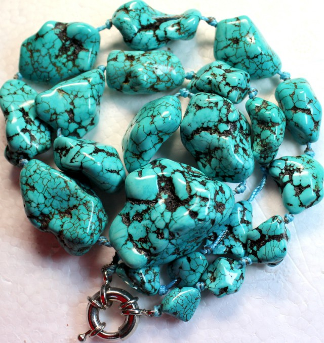 744.5 CTS HOWLITE BEADS with Clasp P995