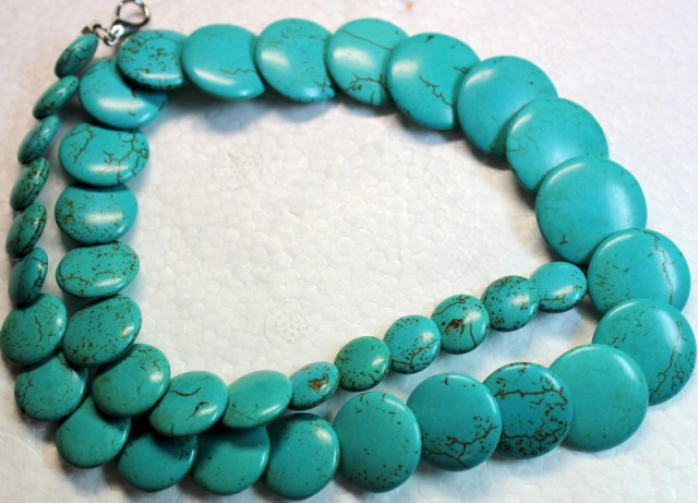 311.1 CTS HOWLITE POLISHED BEADS with Clasp P1000