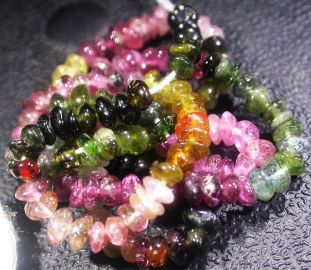 38.1 CTS 4.2 MM TOURMALINE BEADS A GRADE 16 INCHES [ST9496]