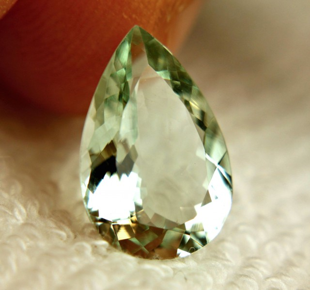 4.55 Carat VVS1 Natural Green Brazilian Beryl - Superb