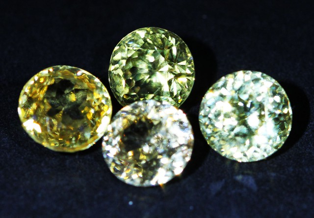 6.5 CTS ZIRCON PARCEL FROM SRI LANKA -  TOP DIAMOND CUT [ST9602]