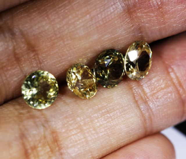 5.9 CTS ZIRCON PARCEL FROM SRI LANKA -  TOP DIAMOND CUT [ST9603]