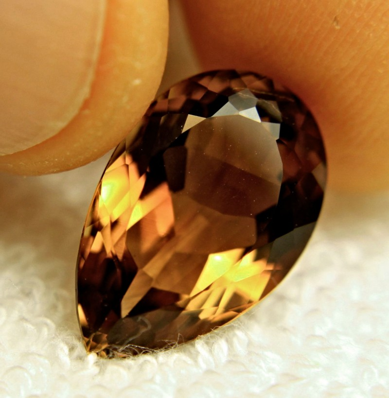 12.74 Carat VVS Brazil Golden Brown Topaz - Lovely