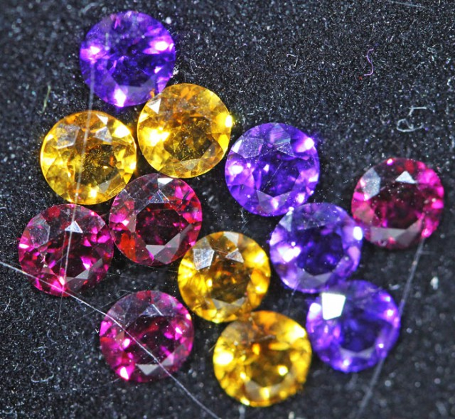 3.1 CTS  4 MM MIXED JEWELERS PARCEL - FUN AND CREATIVE [ST9699]
