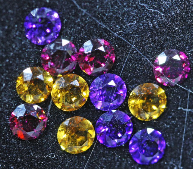 3.1 CTS  4 MM MIXED JEWELERS PARCEL - FUN AND CREATIVE [ST9706]