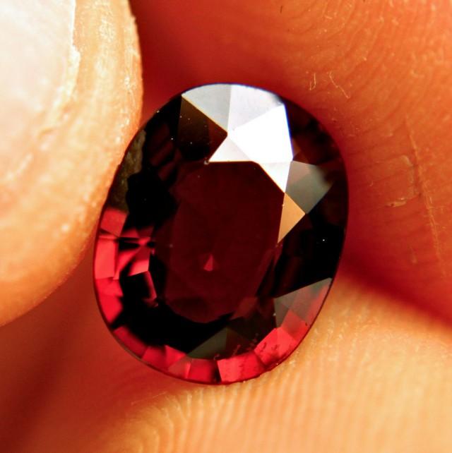 2.93 Carat VVS Rhodolite Garnet - Gorgeous