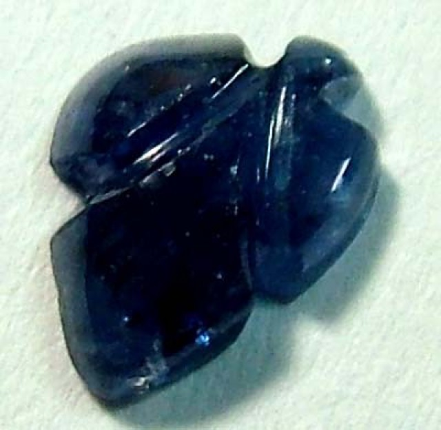 SAPPHIRE CARVED POLISHED PIECE 0.60 CTS RG-1282
